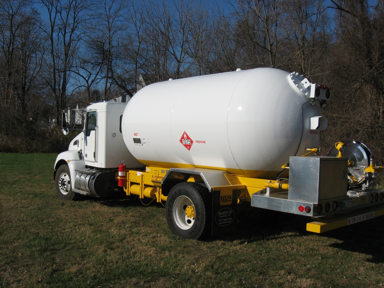 Propane Tank Trucks | Keehn Service Corporation